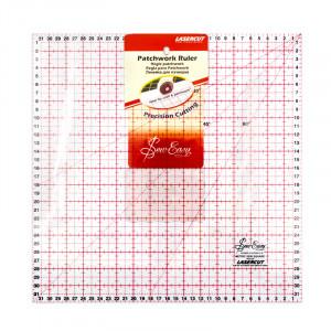 Линейка для пэчворка с градацией в сантиметрах квадрат 32 см Sew Easy