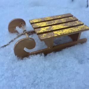 Елочное украшение Сани цвет Золото размер 17 см