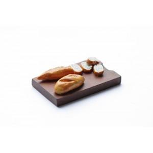 Французский батон на разделочной доске от Art of Mini