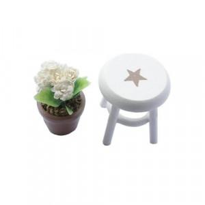 Горшочек с цветами на стуле от Art of Mini