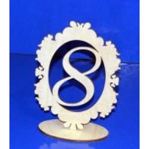Цифра 8 в рамке на подставке 18 см