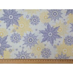 Ткань Snowflakes  из коллекции Celebrate the Season  от Quilting Treasures